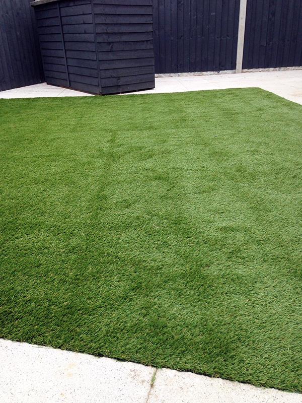 Artificial-Grass-Residential-11