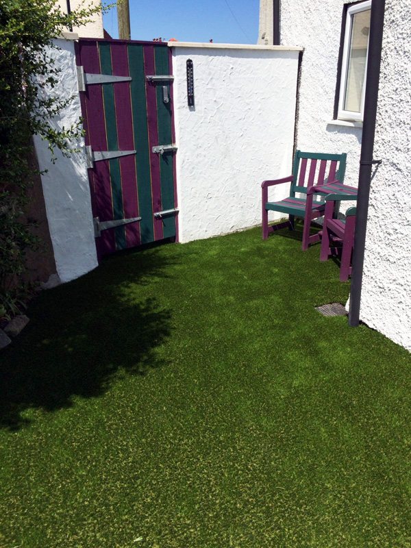 residential-artificial-grass-gallery-1